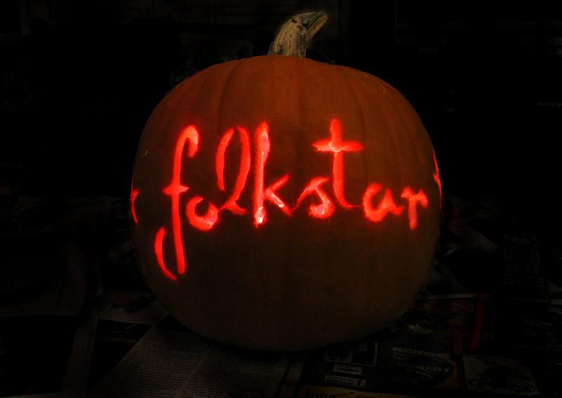 Folkstar halloween performance pumpkin carving
